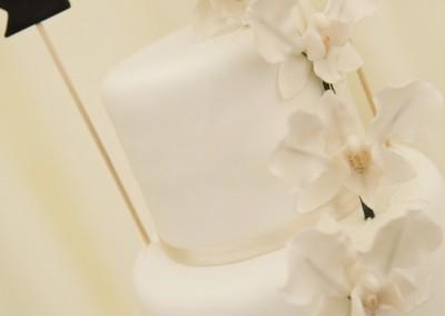 fondant icing buttercream wedding cake