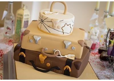 vw campervan wedding cake, wedding cakes, weddings, cakes, celebration cakes, celebrations, birthdays, birthday cakes